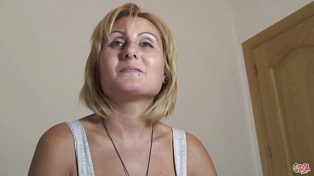 دختر در سکس کوس و کیر لباس زیر تلاش می کند گروه جنسیت
