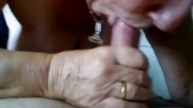 ورزش ها رابطه جنسی سکس کیر در کس و تقدیر در دهان او